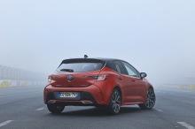 Toyota Corolla red static rear wheel