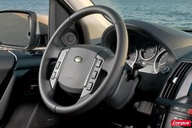 land rover freelander ii au volant. Black Bedroom Furniture Sets. Home Design Ideas