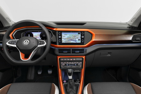 Volkswagen T-Cross orange planche de bord