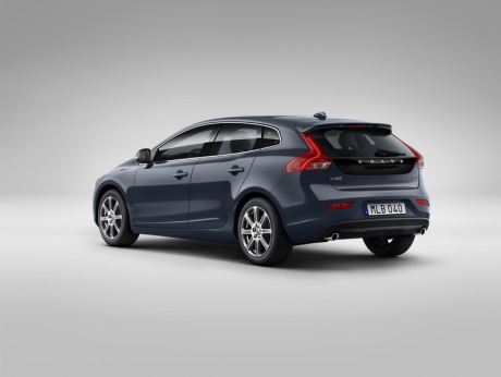 prix volvo v40 restyl e 2016 partir de 24 340 l 39 argus. Black Bedroom Furniture Sets. Home Design Ideas