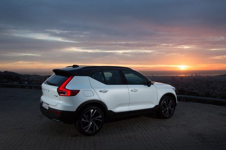 volvo xc40 t5 r design notre avis sur le nouveau xc40 essence l 39 argus. Black Bedroom Furniture Sets. Home Design Ideas