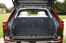 Volvo XC60 coffre ouvert