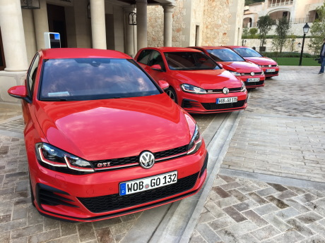 essai volkswagen golf gti et r le test des golf sportives 2017 l 39 argus. Black Bedroom Furniture Sets. Home Design Ideas