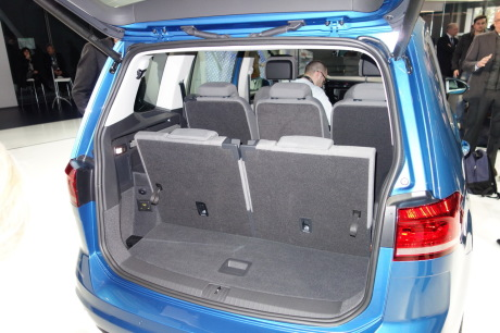 volkswagen touran 2015 nous sommes mont s bord l 39 argus. Black Bedroom Furniture Sets. Home Design Ideas