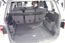 volkswagen touran 2015 une r f rence des monospaces gen ve l 39 argus. Black Bedroom Furniture Sets. Home Design Ideas