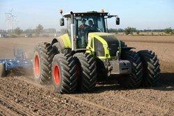 l 39 axion 900 fleuron des tracteurs class l 39 argus. Black Bedroom Furniture Sets. Home Design Ideas