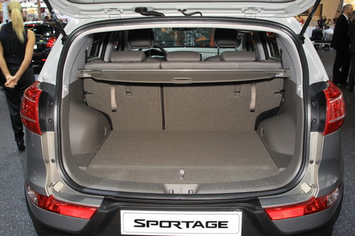 kia sportage la gamme en d tails salon de l 39 auto 2010. Black Bedroom Furniture Sets. Home Design Ideas