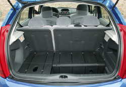 fiat punto 1 3 multijet citro n c3 1 4 hdi la punto se replace l 39 argus. Black Bedroom Furniture Sets. Home Design Ideas