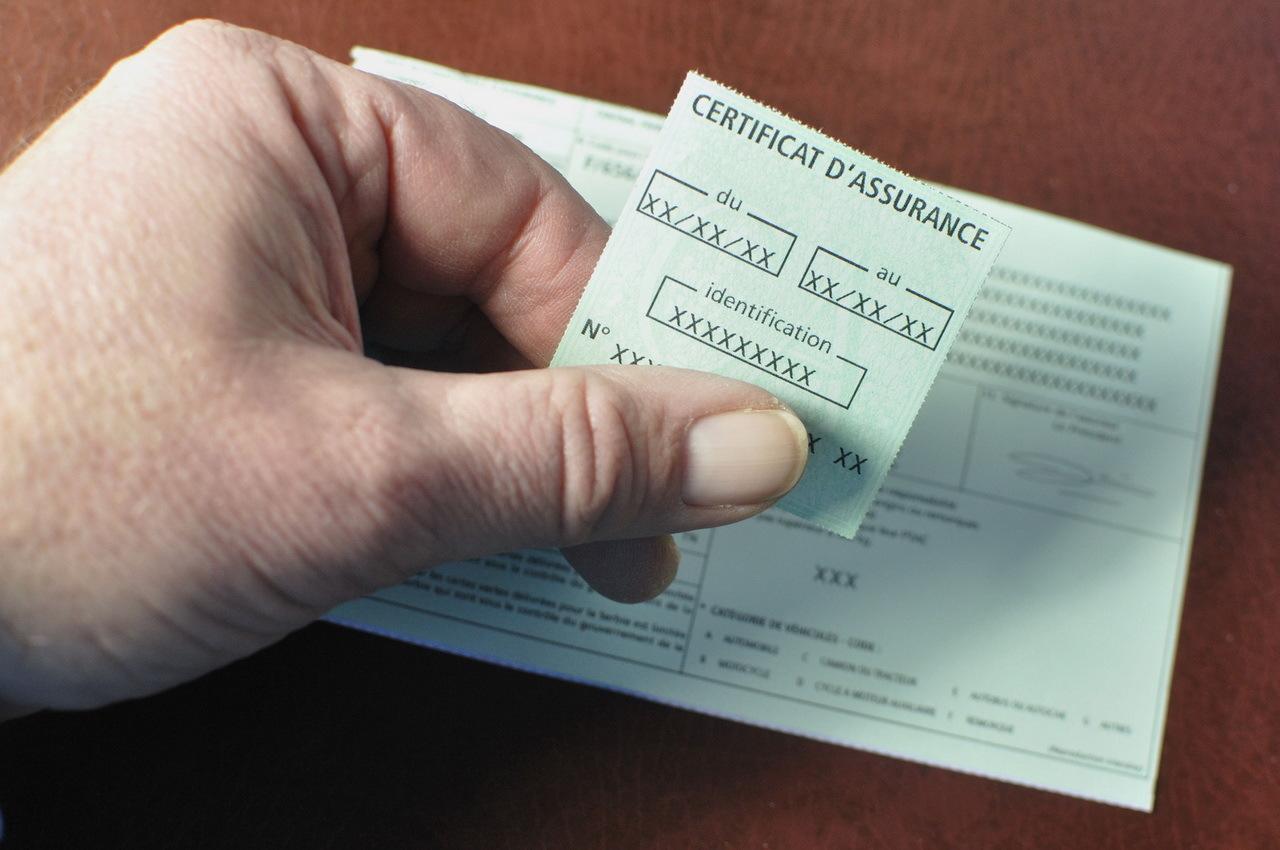 vignette d u0026 39 assurance auto   signature obligatoire ou pas