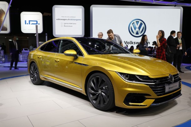 volkswagen arteon premi res photos officielles de la passat 5 portes l 39 argus. Black Bedroom Furniture Sets. Home Design Ideas