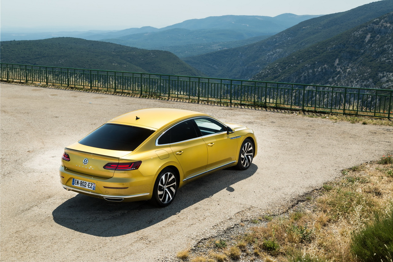 essai volkswagen arteon 2 0 tdi 240 ch le d sir au prix fort photo 2 l 39 argus. Black Bedroom Furniture Sets. Home Design Ideas