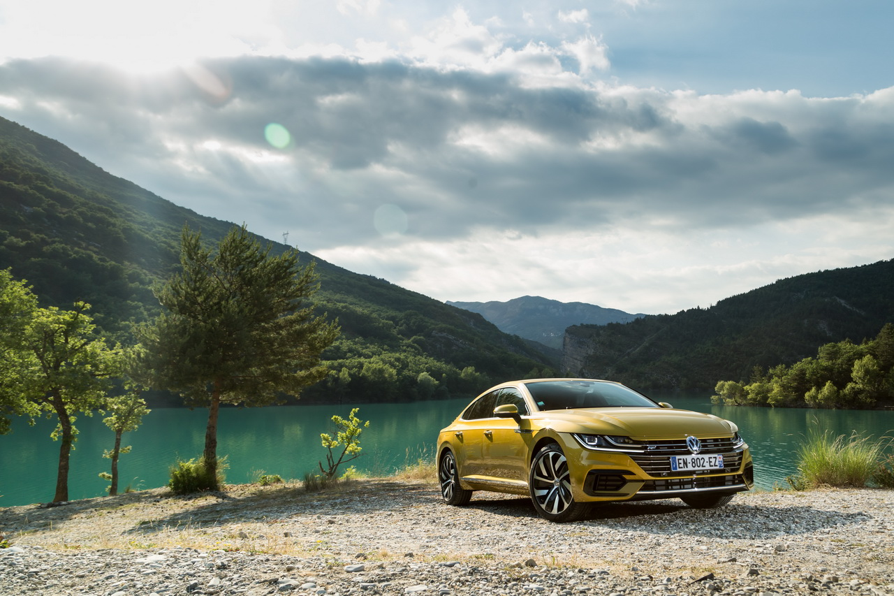 essai volkswagen arteon 2 0 tdi 240 ch le d sir au prix fort photo 8 l 39 argus. Black Bedroom Furniture Sets. Home Design Ideas