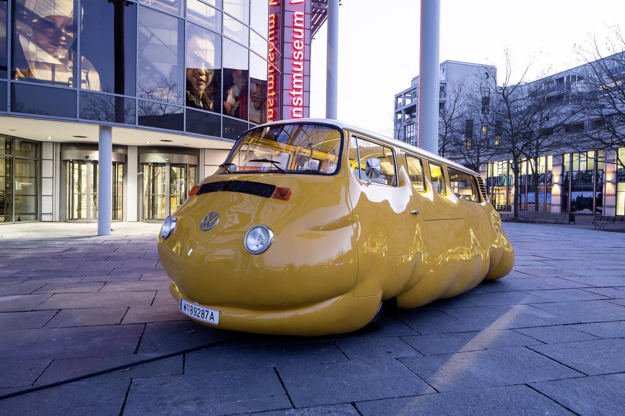 insolite volkswagen curry bus une saucisse nomm e combi. Black Bedroom Furniture Sets. Home Design Ideas