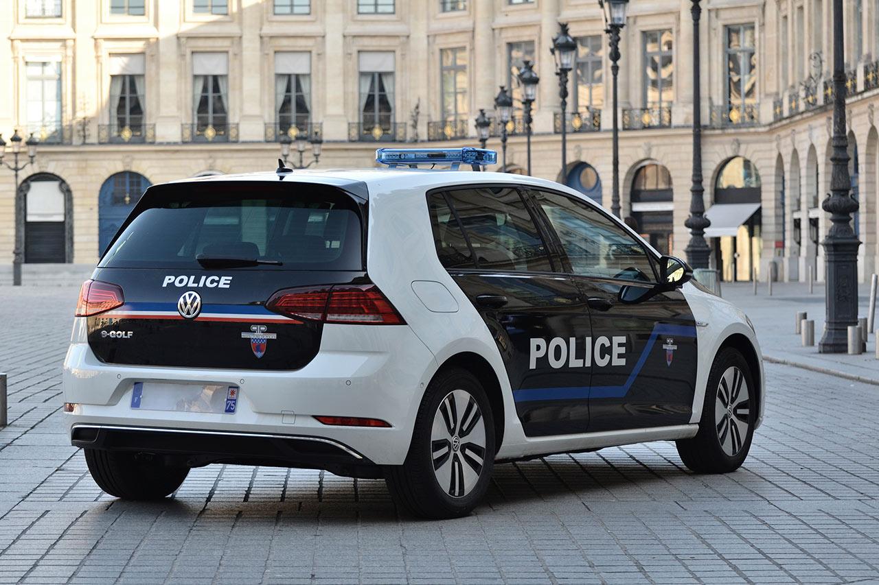 des volkswagen e golf pour la pr fecture de police de paris photo 10 l 39 argus. Black Bedroom Furniture Sets. Home Design Ideas