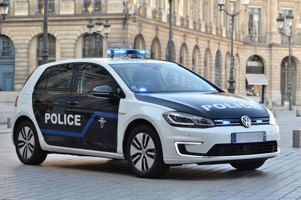 des volkswagen e golf pour la pr fecture de police de paris l 39 argus. Black Bedroom Furniture Sets. Home Design Ideas