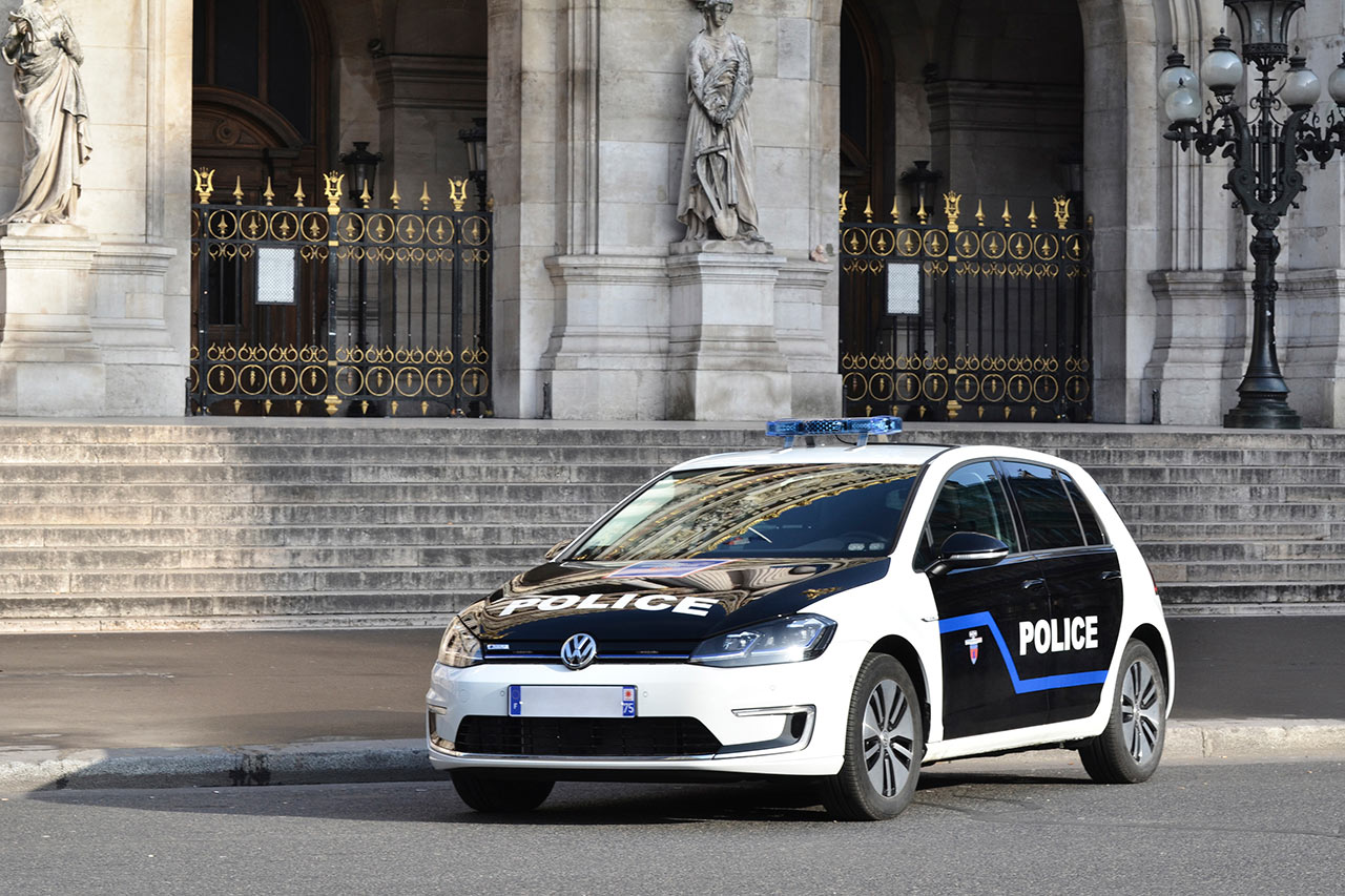 des volkswagen e golf pour la pr fecture de police de. Black Bedroom Furniture Sets. Home Design Ideas