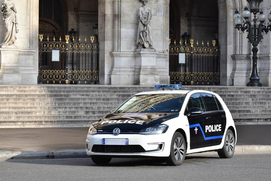 des volkswagen e golf pour la pr fecture de police de paris photo 5 l 39 argus. Black Bedroom Furniture Sets. Home Design Ideas