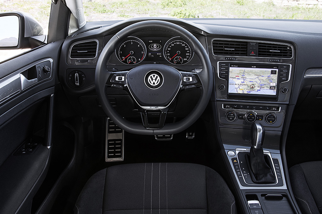 volkswagen golf alltrack 2015 prix fiche technique quipements photo 8 l 39 argus. Black Bedroom Furniture Sets. Home Design Ideas