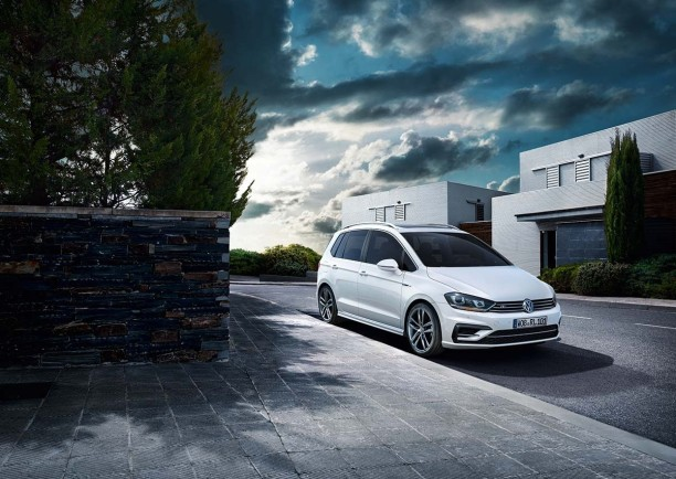 volkswagen golf sportsvan r line nouvelle finition sportive l 39 argus. Black Bedroom Furniture Sets. Home Design Ideas