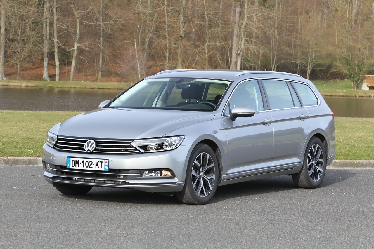 test volkswagen passat sw tdi 150 le break de l 39 ann e 2015 l 39 essai photo 14 l 39 argus. Black Bedroom Furniture Sets. Home Design Ideas