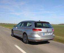 vue arri�re de la Volkswagen Passat SW TDI 150