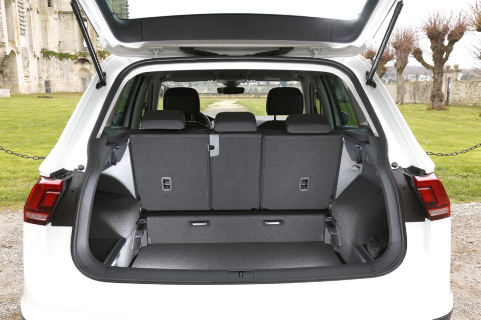 essai volkswagen tiguan 2 le nouveau tiguan d fie le renault kadjar photo 44 l 39 argus. Black Bedroom Furniture Sets. Home Design Ideas