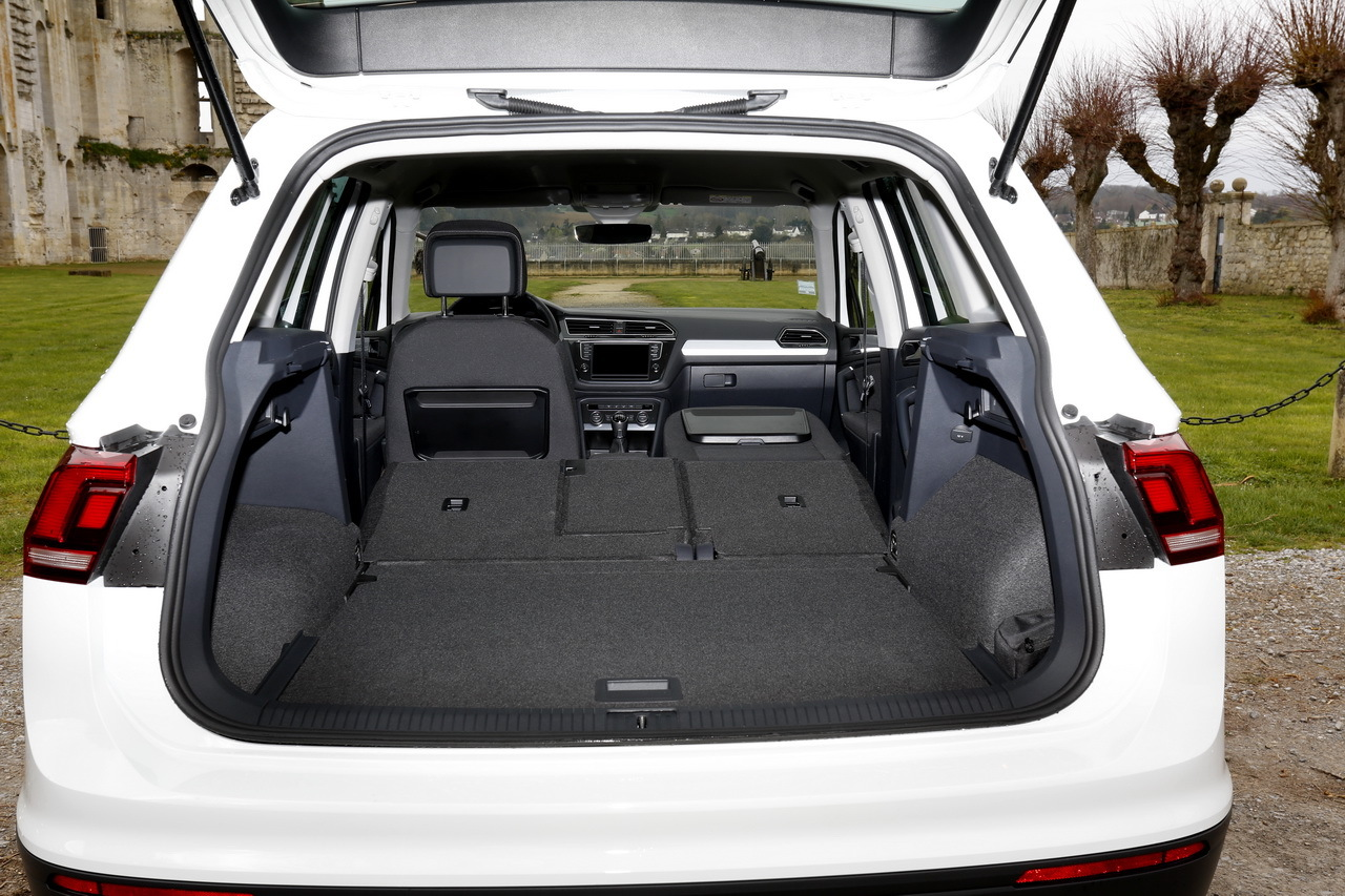 essai volkswagen tiguan 2 le nouveau tiguan d fie le renault kadjar photo 47 l 39 argus. Black Bedroom Furniture Sets. Home Design Ideas
