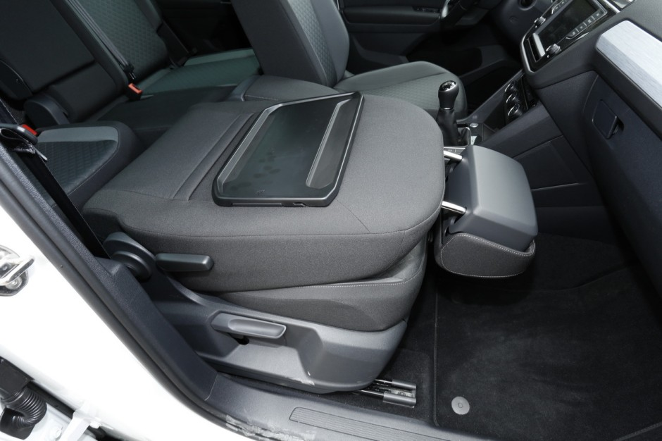 essai volkswagen tiguan 2 le nouveau tiguan d fie le renault kadjar photo 76 l 39 argus. Black Bedroom Furniture Sets. Home Design Ideas