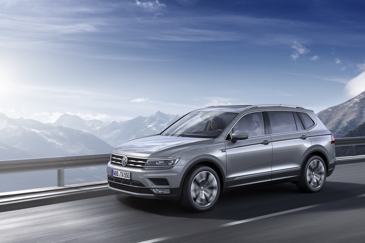 volkswagen tiguan allspace premi re europ enne du tiguan 7 places photo 1 l 39 argus. Black Bedroom Furniture Sets. Home Design Ideas