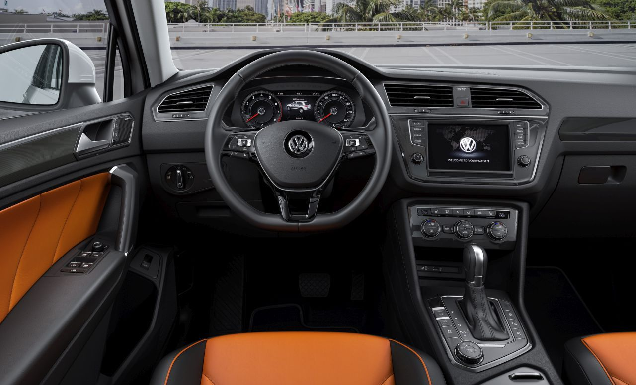 volkswagen tiguan 2016 les photos de l 39 int rieur du. Black Bedroom Furniture Sets. Home Design Ideas