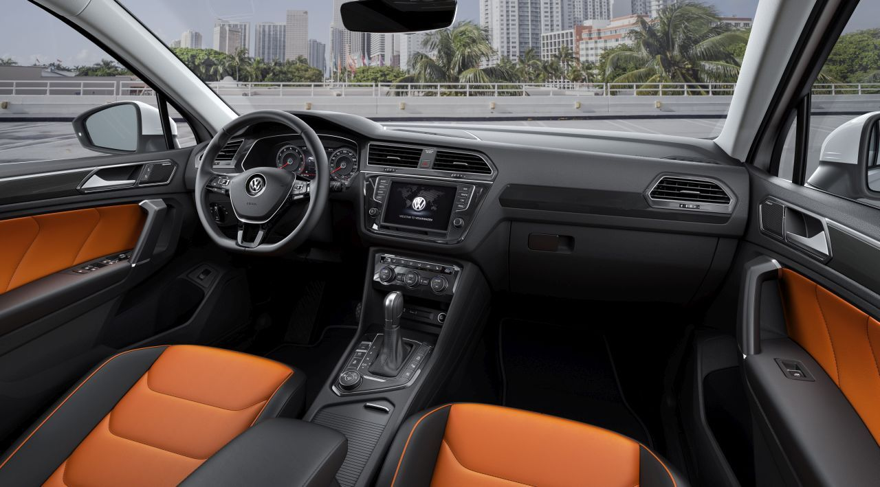 Volkswagen tiguan 2016 les photos de l 39 int rieur du for Interieur 4l