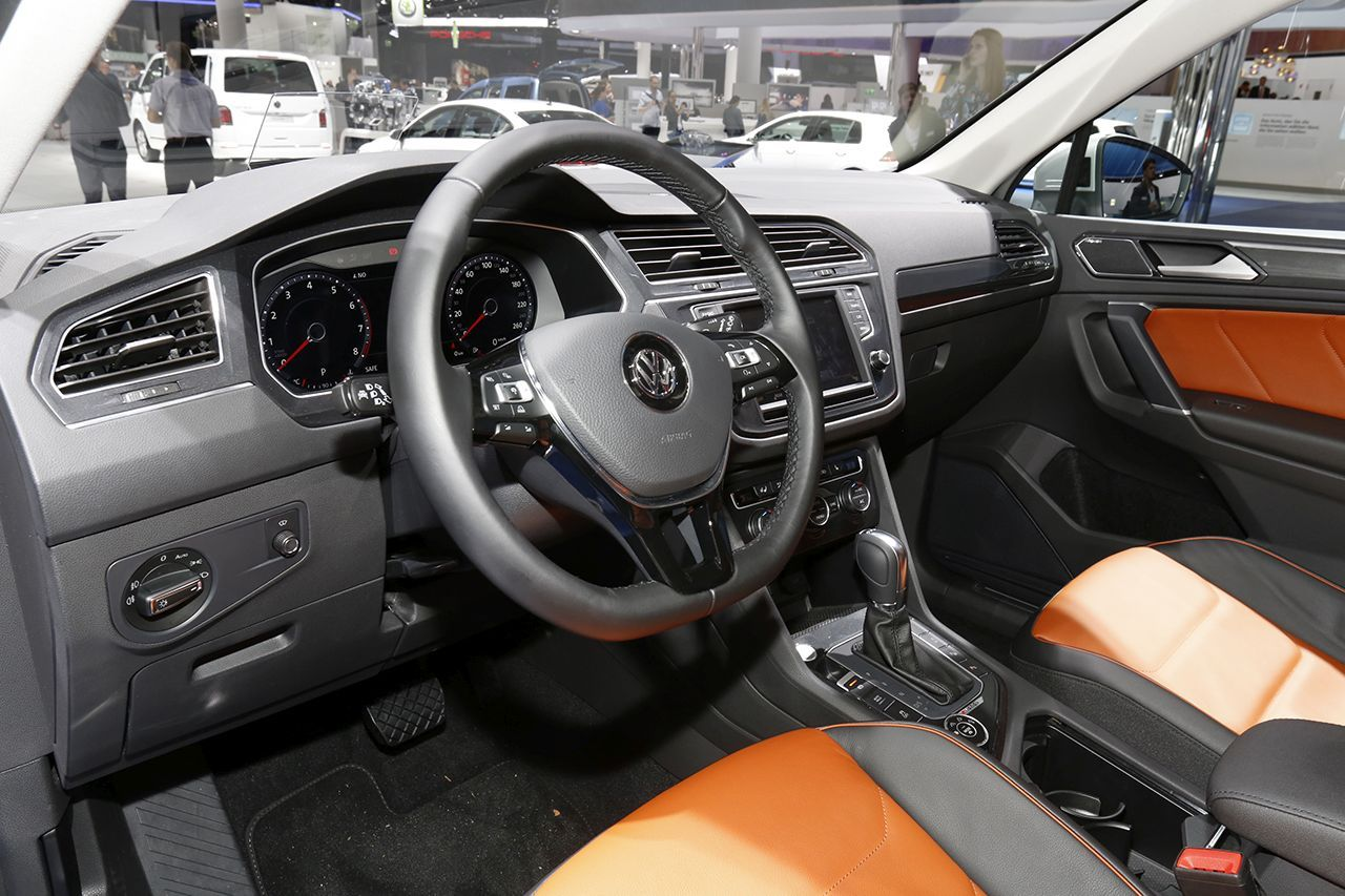 volkswagen tiguan 2016 vs renault kadjar le match depuis francfort photo 13 l 39 argus. Black Bedroom Furniture Sets. Home Design Ideas