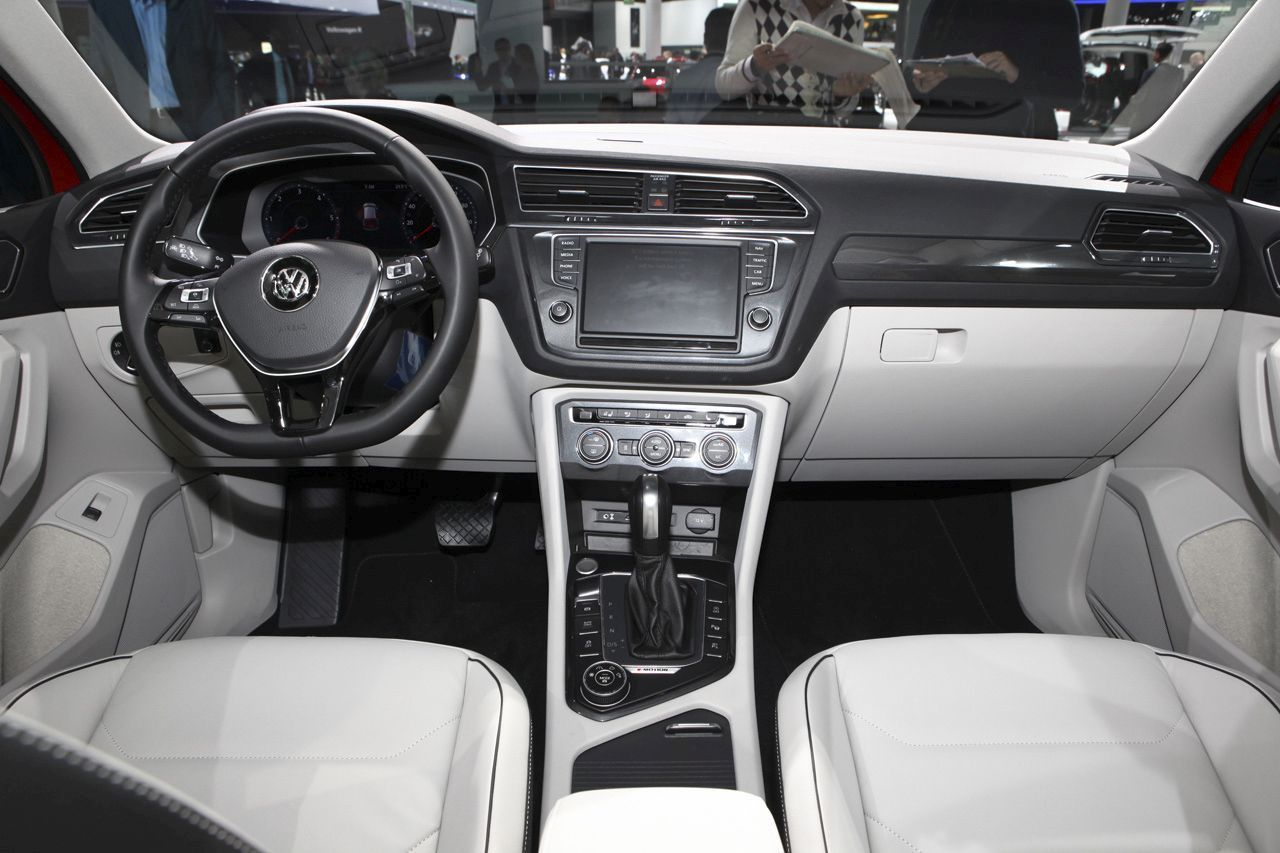 volkswagen tiguan 2016 l 39 argus d j bord photo 12 l 39 argus. Black Bedroom Furniture Sets. Home Design Ideas