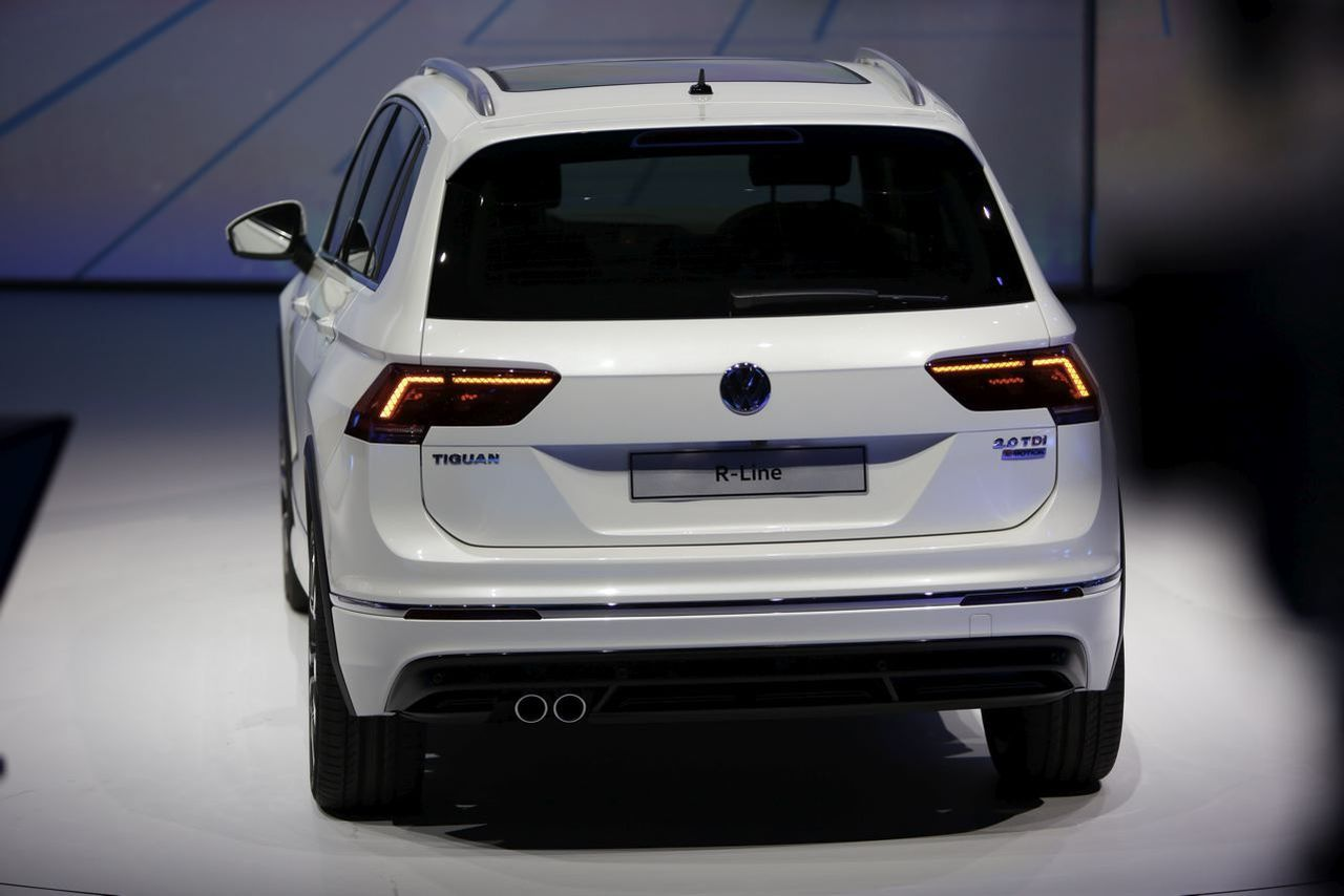 francfort 2015 nouveau volkswagen tiguan r line 2016 l 39 r sportif photo 28 l 39 argus. Black Bedroom Furniture Sets. Home Design Ideas
