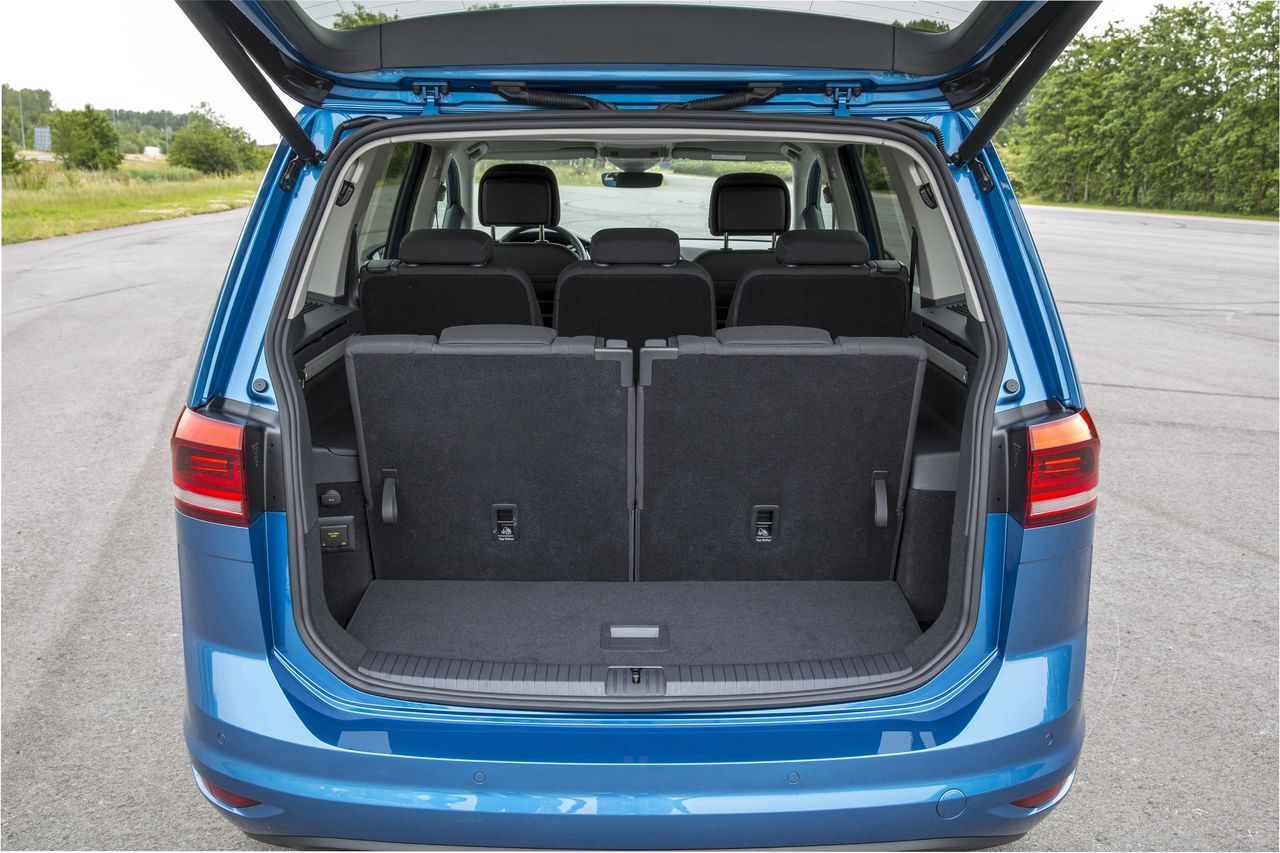 essai du nouveau volkswagen touran 2015 un cran plus haut photo 24 l 39 argus. Black Bedroom Furniture Sets. Home Design Ideas