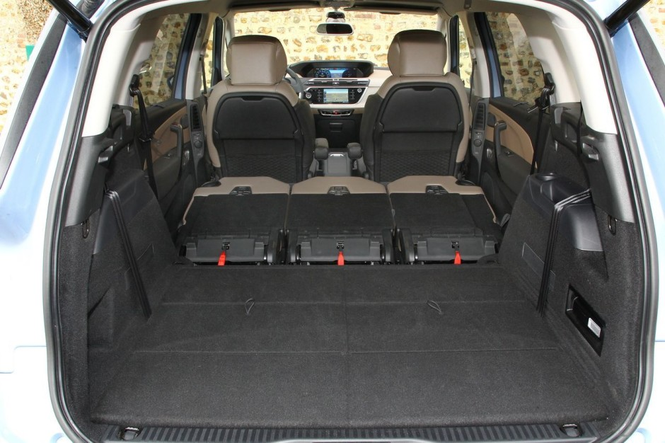 essai comparatif le vw touran 2015 d fie le citro n grand c4 picasso photo 16 l 39 argus. Black Bedroom Furniture Sets. Home Design Ideas