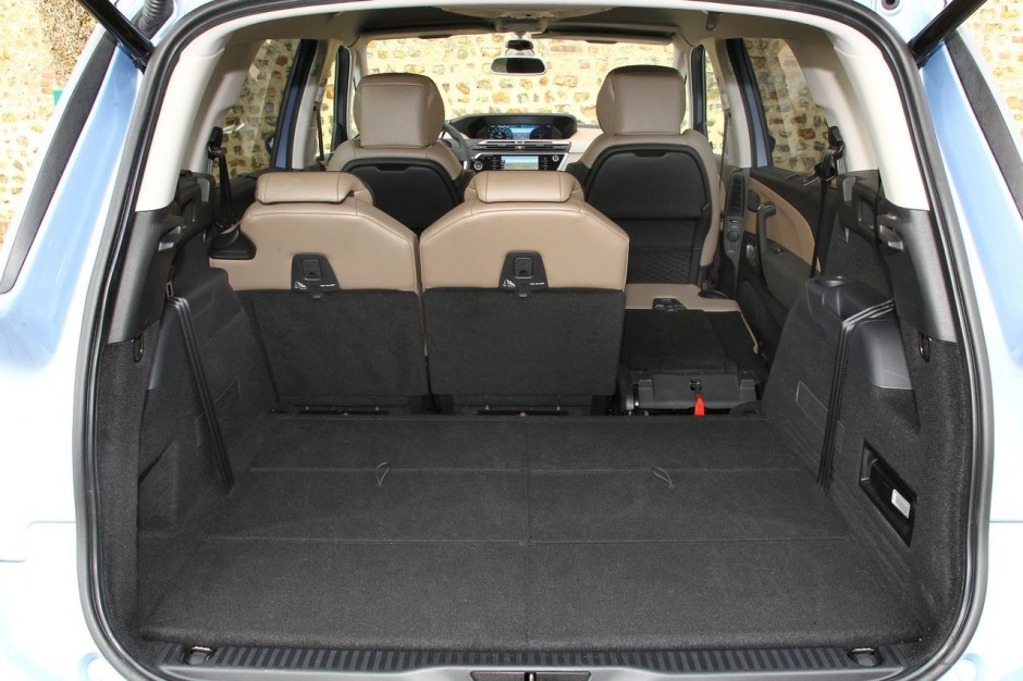 essai comparatif le vw touran 2015 d fie le citro n grand c4 picasso photo 17 l 39 argus. Black Bedroom Furniture Sets. Home Design Ideas