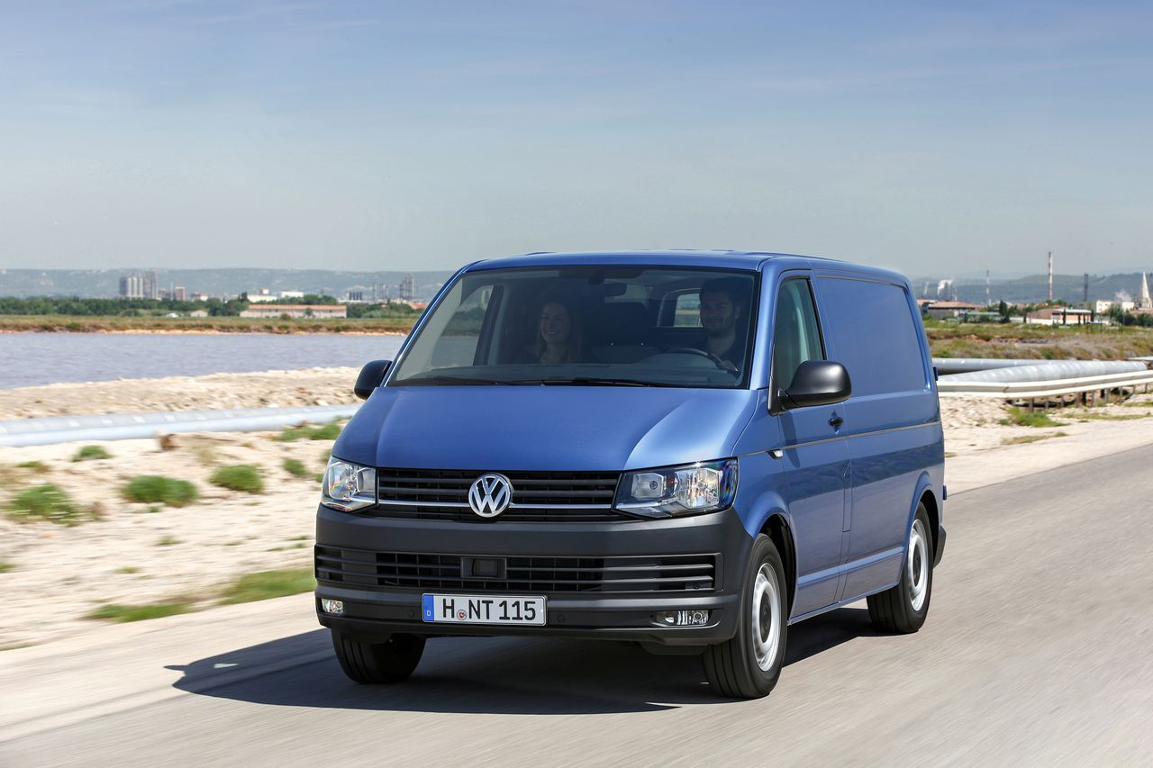 nouveau volkswagen transporter 2015 le plein de technologies l 39 argus. Black Bedroom Furniture Sets. Home Design Ideas