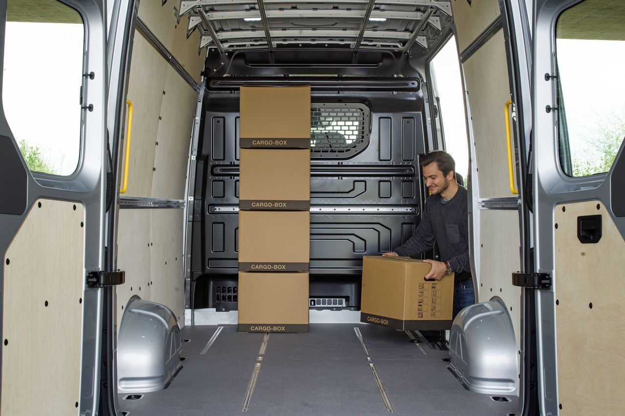premier contact volkswagen crafter 2017 la taille de l 39 enjeu photo 11 l 39 argus. Black Bedroom Furniture Sets. Home Design Ideas