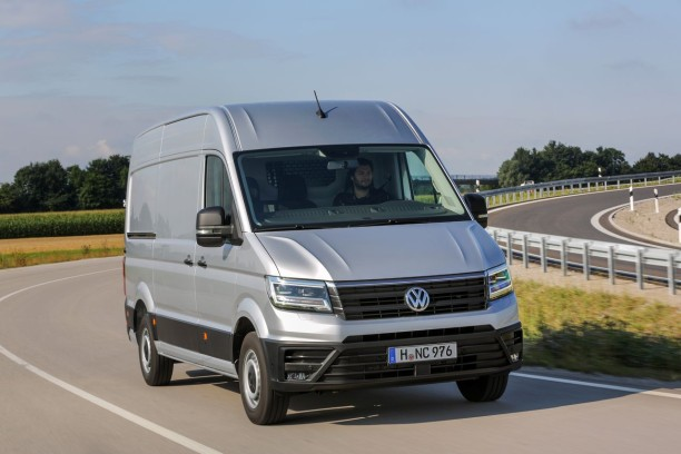 premier contact volkswagen crafter 2017 la taille de l 39 enjeu l 39 argus. Black Bedroom Furniture Sets. Home Design Ideas