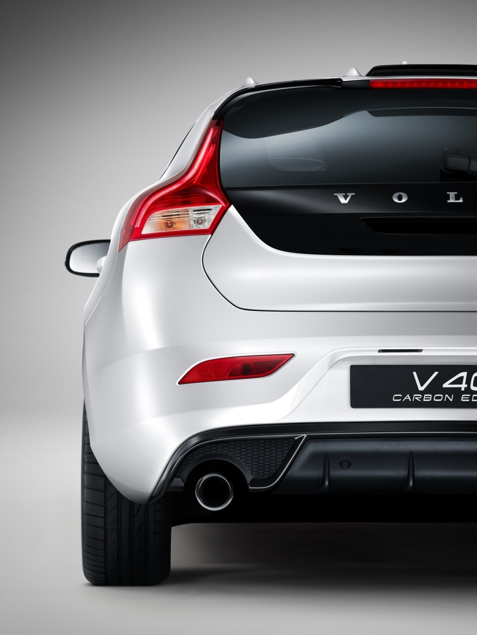 volvo v40 carbon edition une s rie tr s exclusive photo 5 l 39 argus. Black Bedroom Furniture Sets. Home Design Ideas