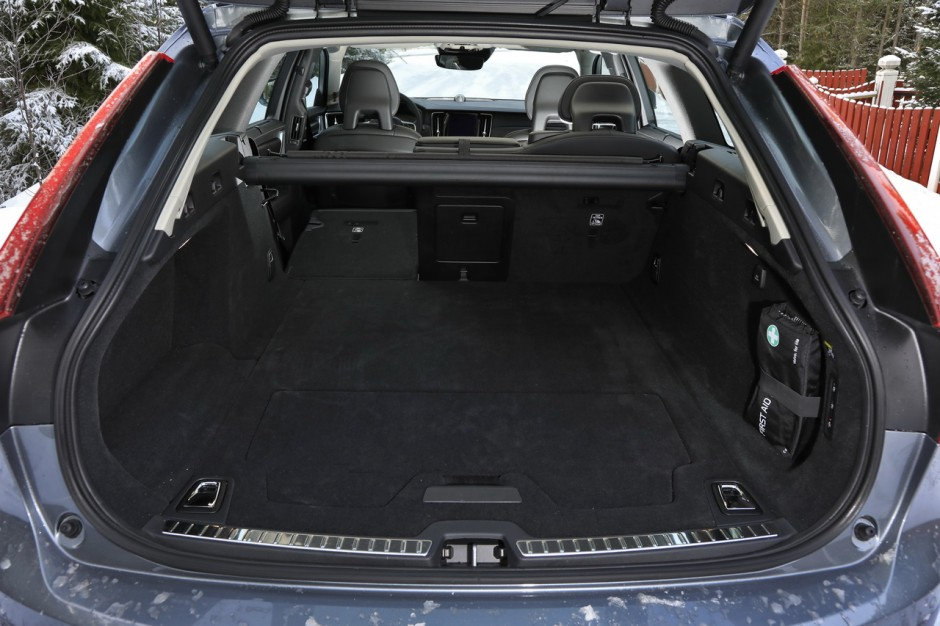 essai volvo v90 cross country notre test du nouveau break su dois photo 24 l 39 argus. Black Bedroom Furniture Sets. Home Design Ideas