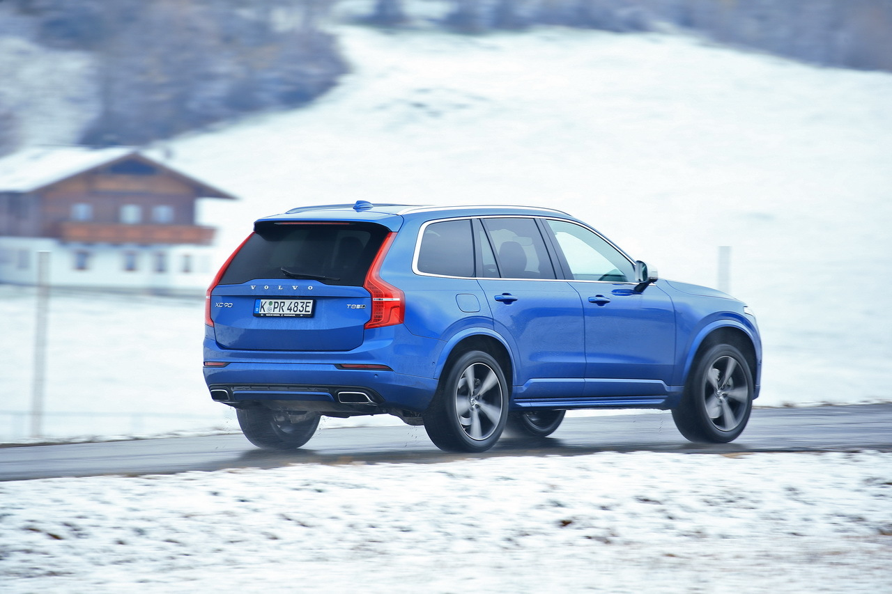 volvo xc90 t8 notre essai sur neige en photos photo 10 l 39 argus. Black Bedroom Furniture Sets. Home Design Ideas