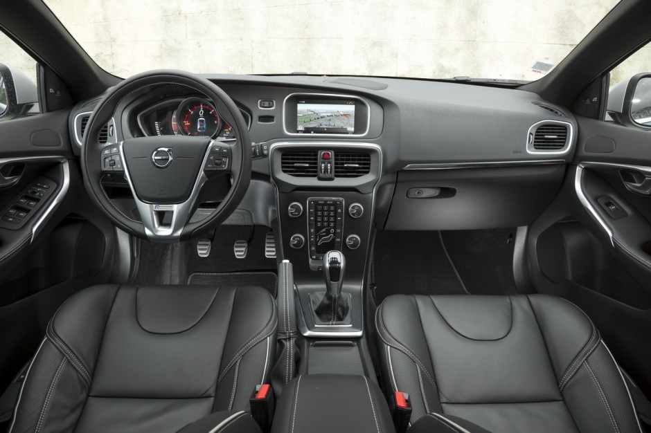 essai volvo v40 d3 r design 2016 le test de la v40 restyl e photo 15 l 39 argus. Black Bedroom Furniture Sets. Home Design Ideas