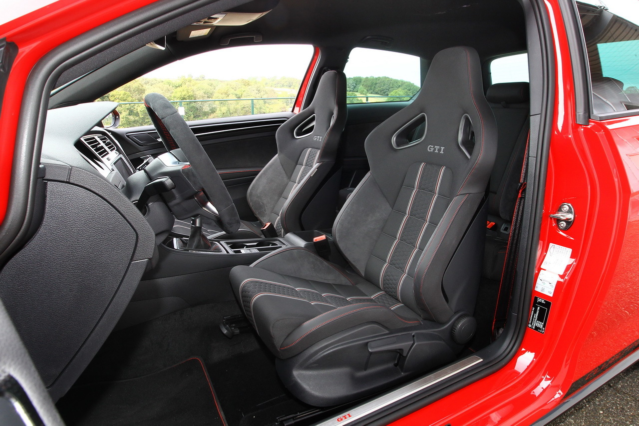 essai extr me la vw golf gti clubsport se frotte au n rburgring photo 14 l 39 argus. Black Bedroom Furniture Sets. Home Design Ideas