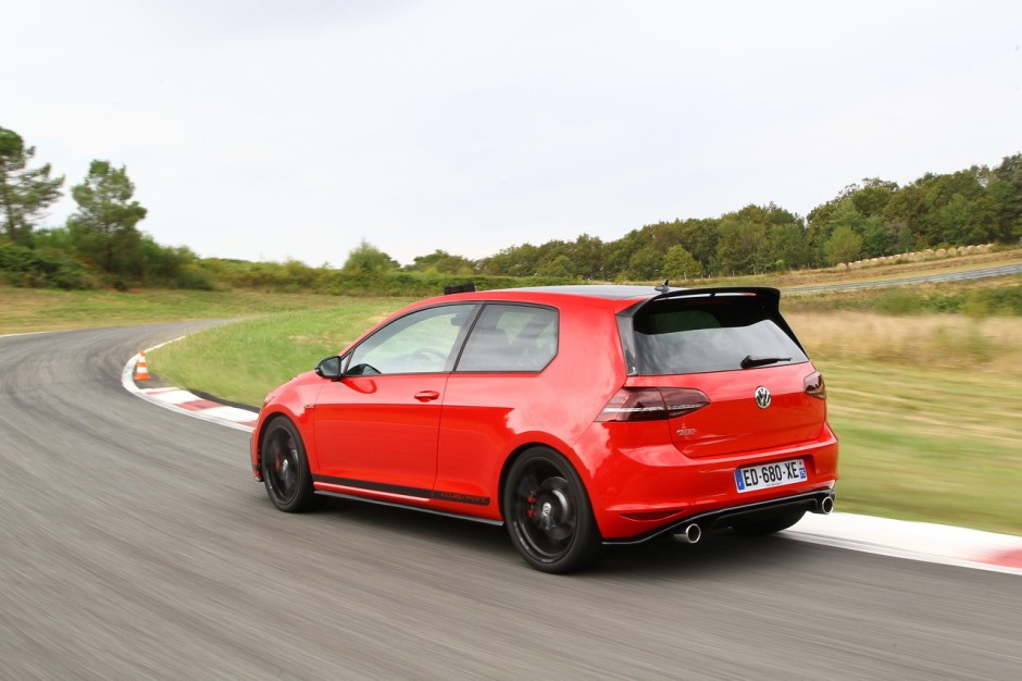 essai extr me la vw golf gti clubsport se frotte au n rburgring photo 5 l 39 argus. Black Bedroom Furniture Sets. Home Design Ideas