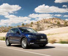 En diesel, le Volkswagen Tiguan 2016 démarre dès 29 050 € (TDI 115 4x2 Trendline). Mais pas avant 40 775 € (+ 900 € de malus) dans cette version d'essai TDI 190Motion DSG.
