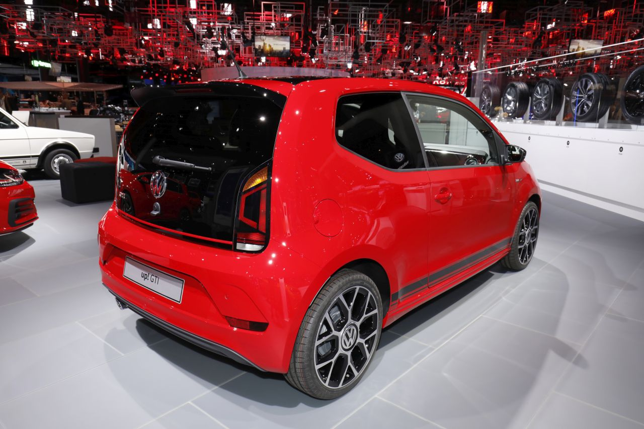 en images la famille gti de volkswagen volkswagen up gti l 39 argus. Black Bedroom Furniture Sets. Home Design Ideas