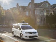 Waymo : la Google Car autonome sous les traits d'un Chrysler Pacifica
