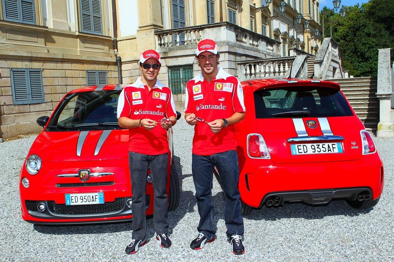 Alonso et Massa en Fiat 500